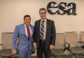 Johnny Quispe with the current president of the ESA and former Rutgers Ph.D. graduate Richard Pouyat.