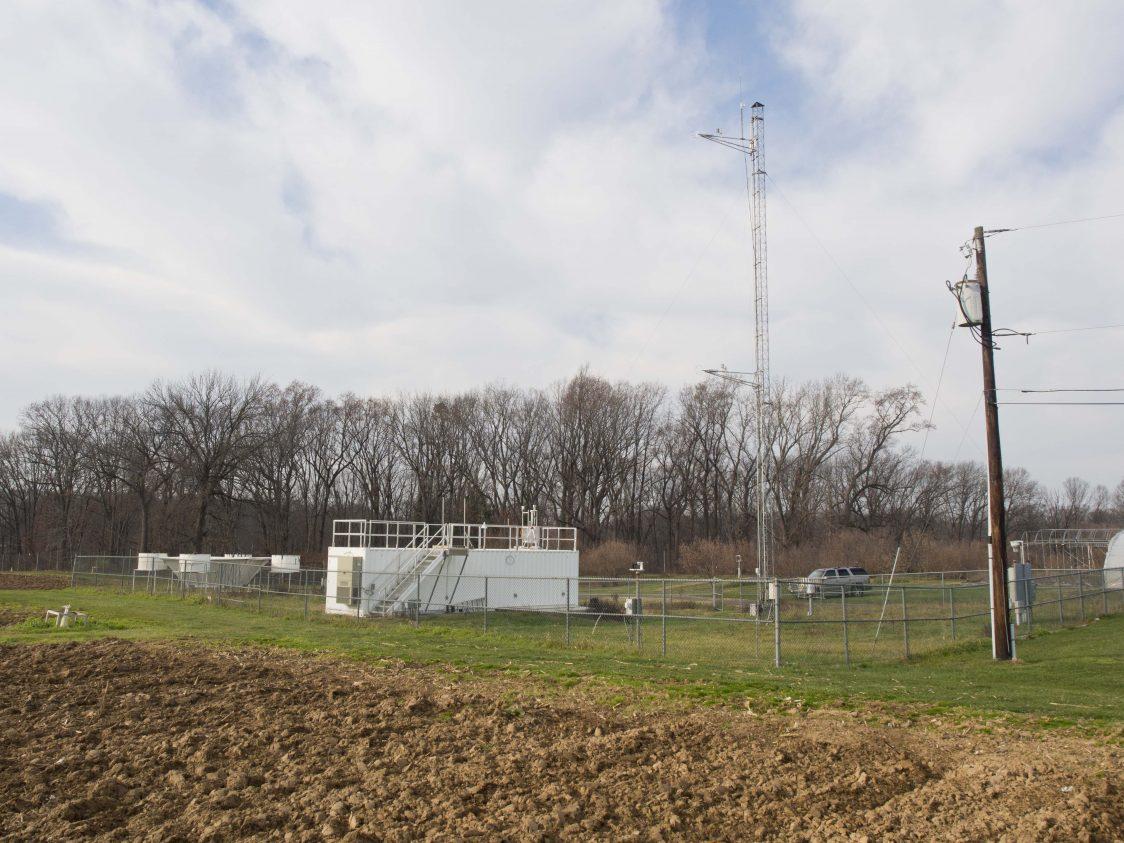 EOAS' Mark Miller Rebuilds Rutgers' Photochemical Assessment Monitoring (PAM) Station
